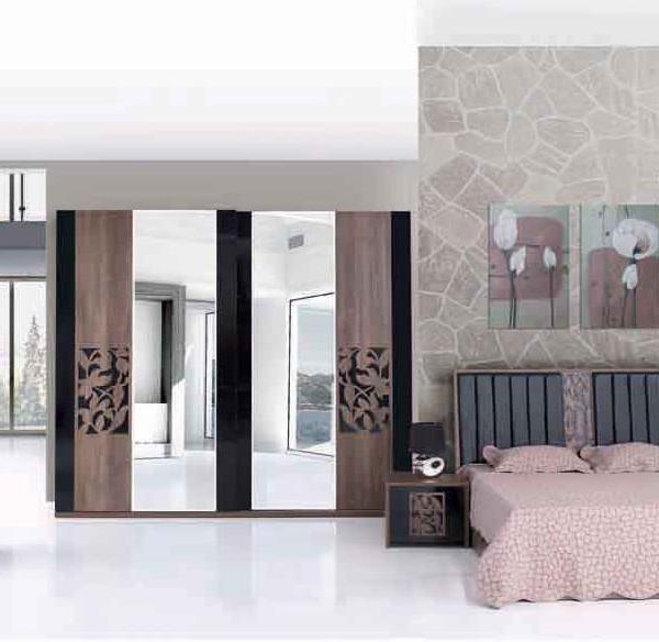 figure-bedroom